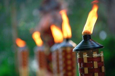 Tiki-torches-line